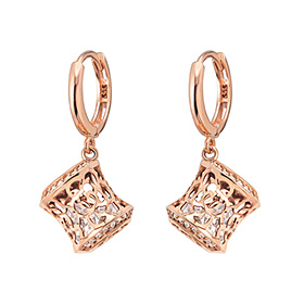 14K / 18K Rose Castle earring