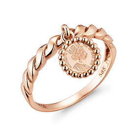 14K Queen Elizabeth ring